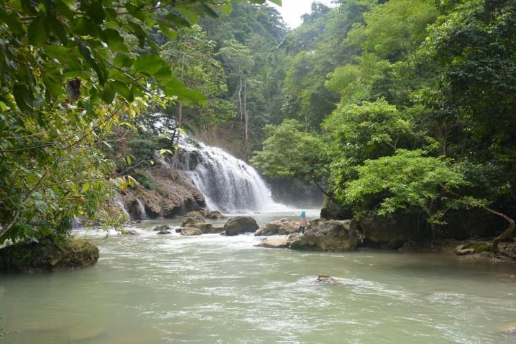 Visiting Lapopu, the highest waterfall in East Nusa Tenggara