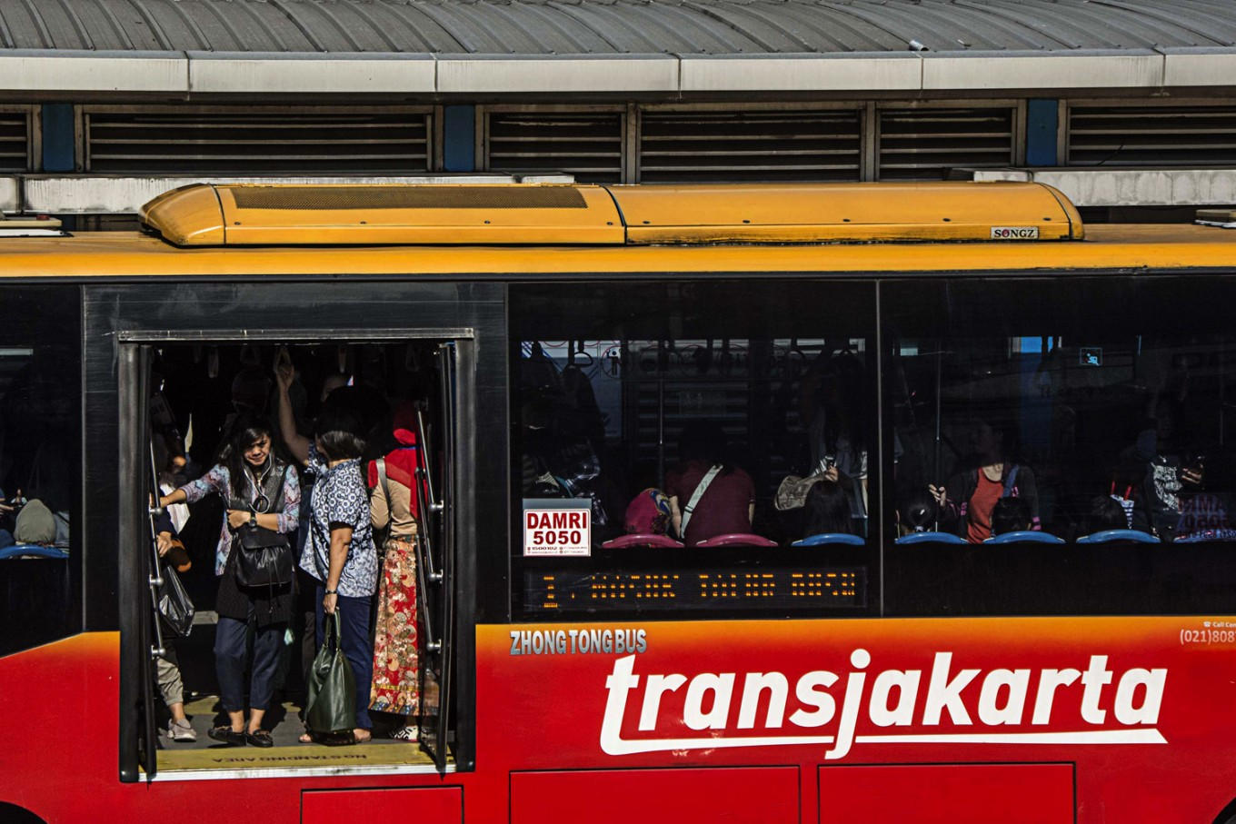 300 disabled-friendly buses ready to serve Jakartans this year