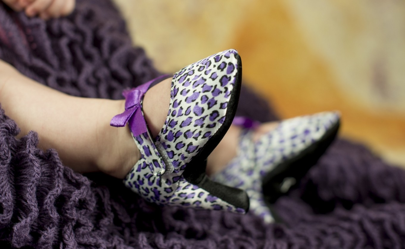 High heels for infants sparks controversy online