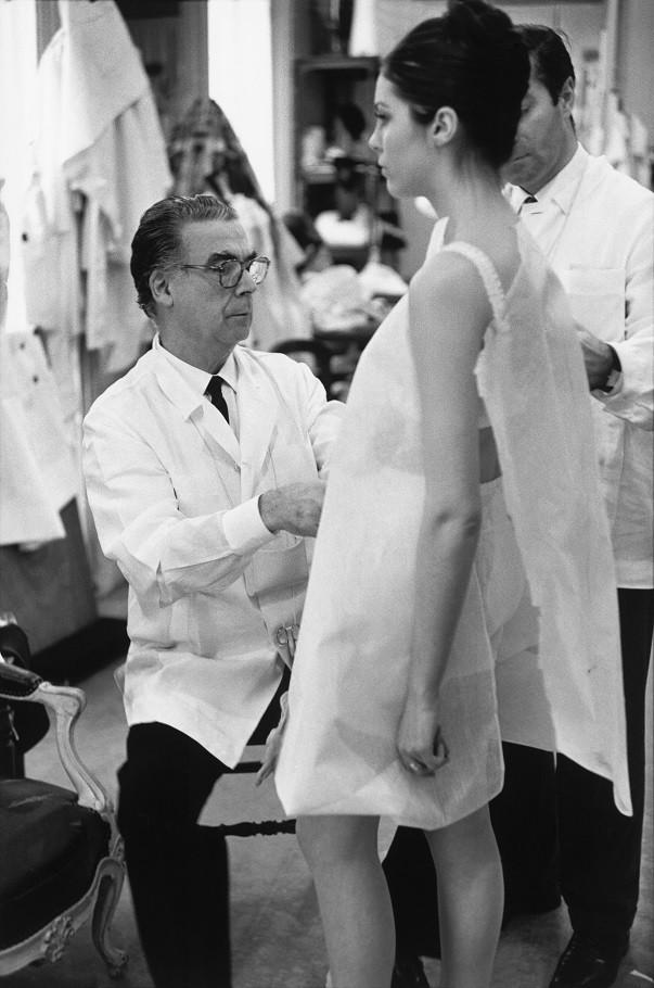 Balenciaga at work in Paris, 1968.