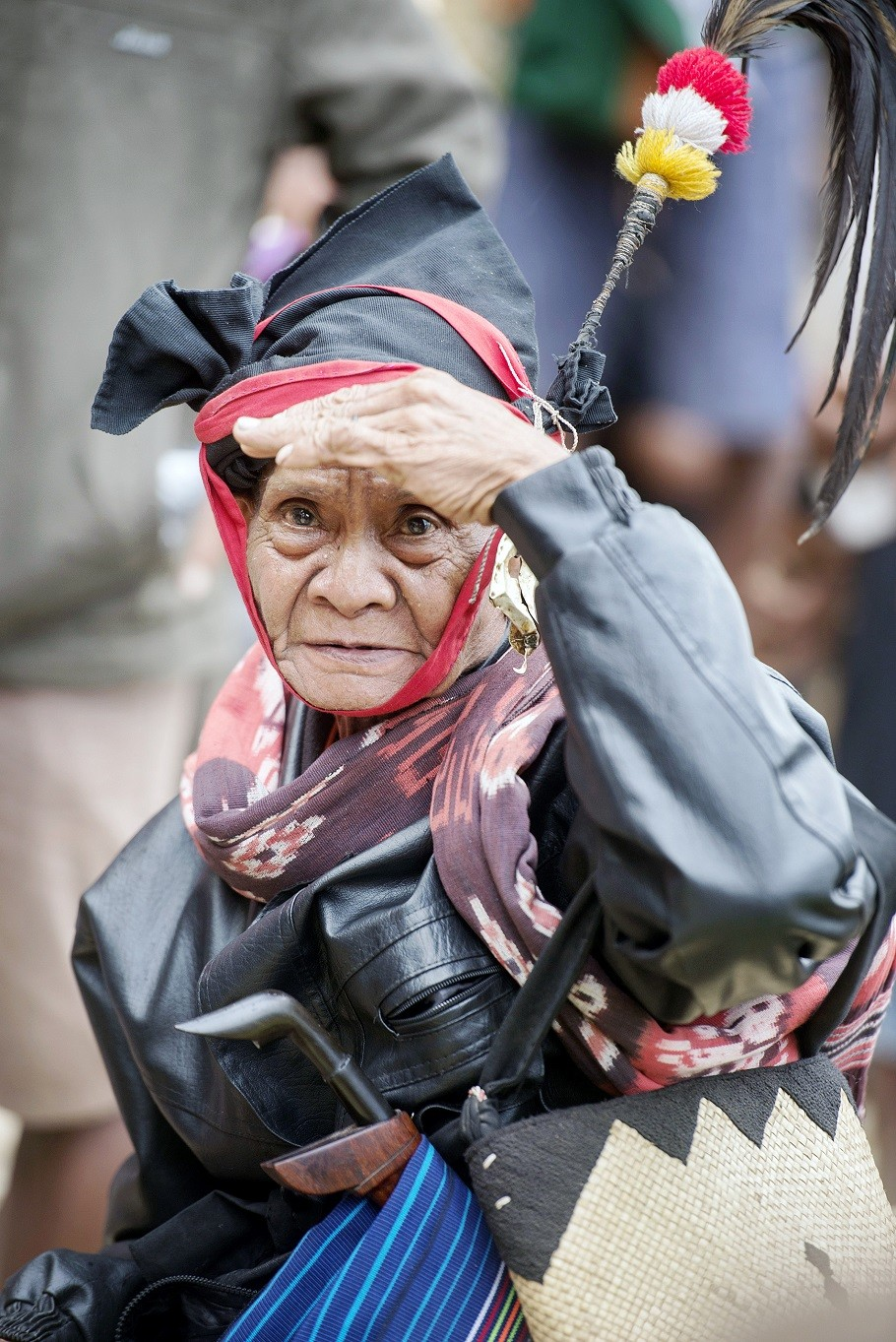 Where is it?: An old woman comes prepared when searching for nyale worms at Wanokaka Beach in Sumba.