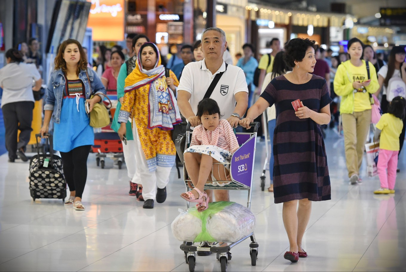 Thailand plans to allow some foreign travellers in next week