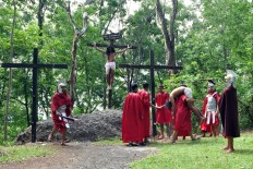 Actors perform a scene in which Jesus is about to be crucified at Yohanes Rasul church, Wonogiri, Central Java on Friday April 14. JP/Magnus Hendratmo