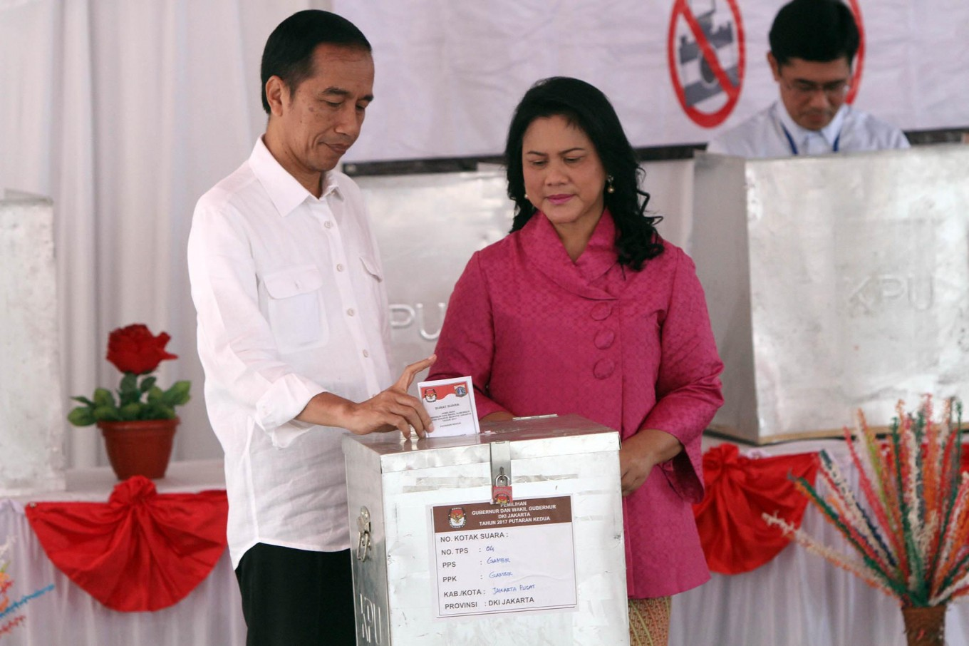 Don't let politics divide us, Jokowi says