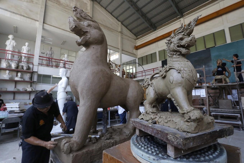 Artisans making preparations for Thai king's funeral