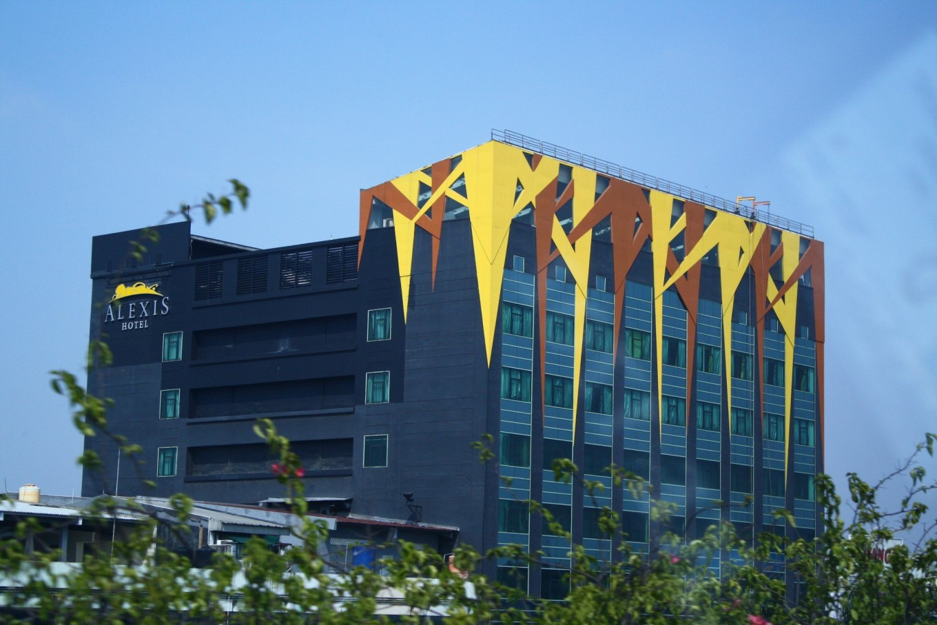 Anies firm to close down Alexis Hotel