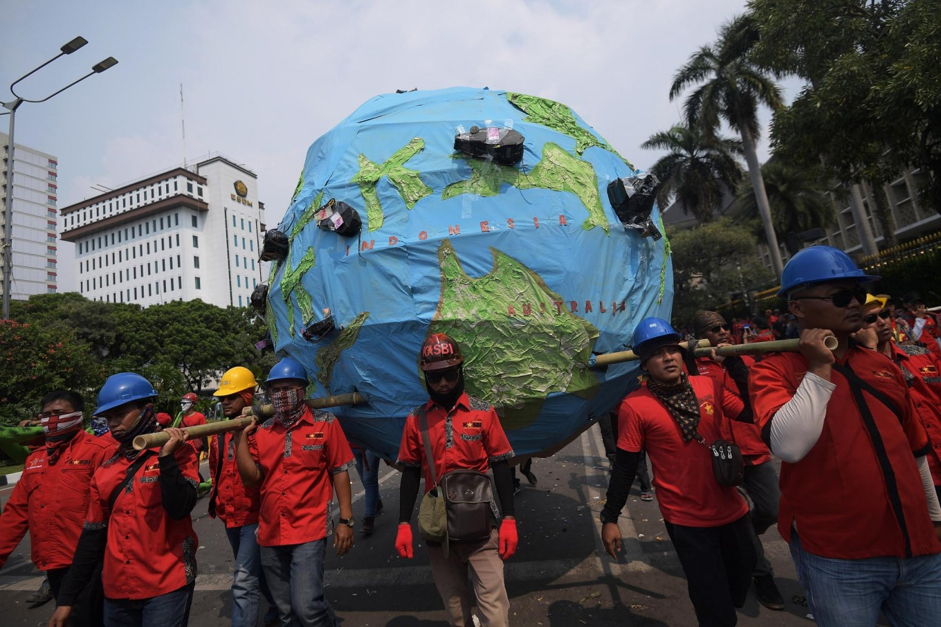 Workers federation demand Rp3.9 million minimum wage