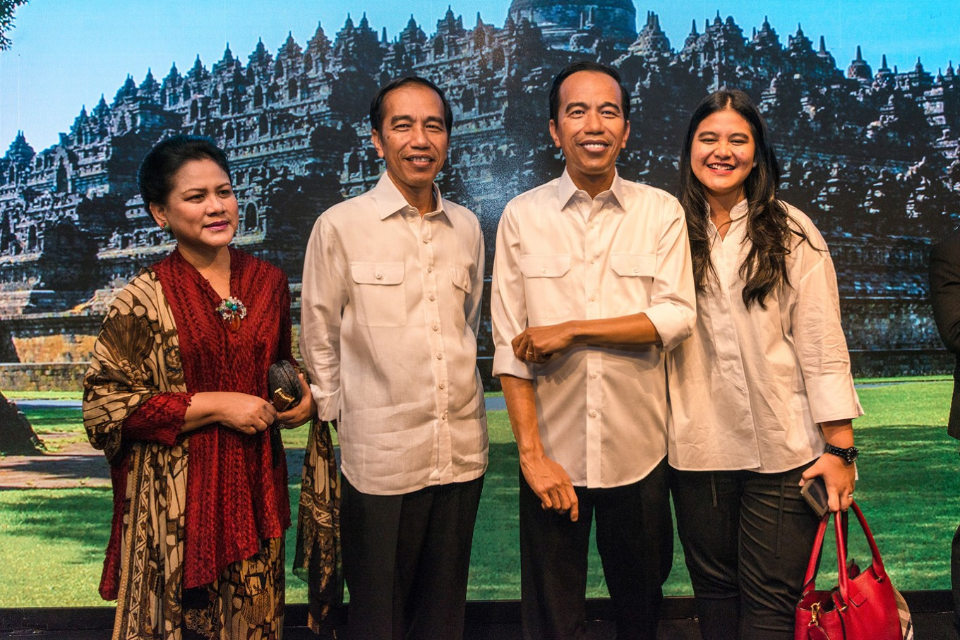 Jokowi visited the museum together with his family and unveiled the figure himself, becoming the first state leader to do so.