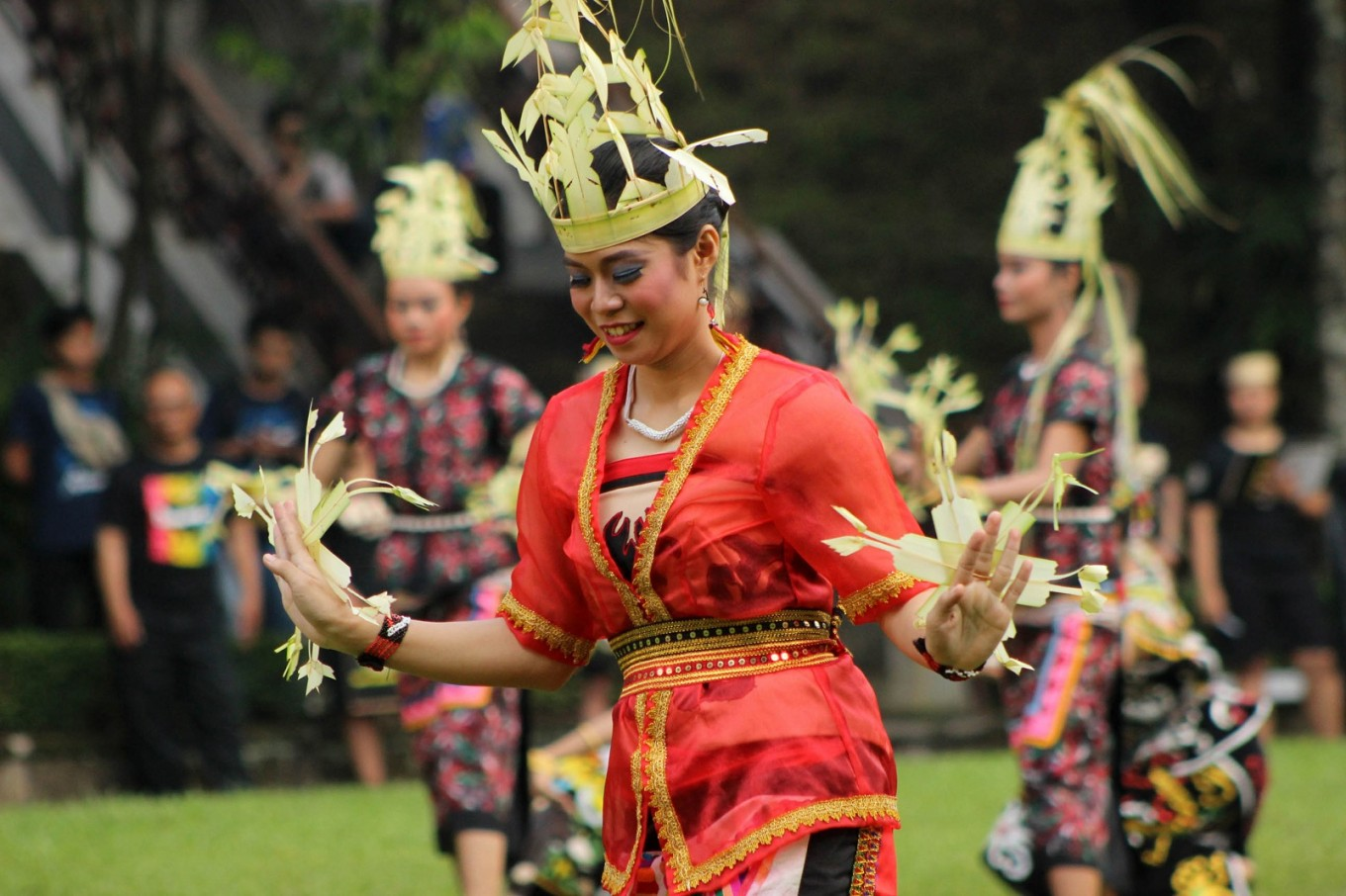 The Solo Menari event featured nearly 5,000 dancers from across Indonesia.