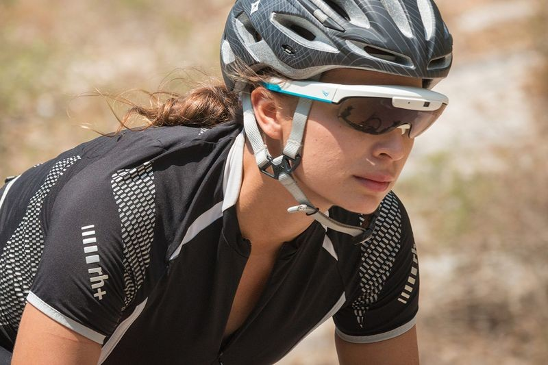 Coming soon: Cyclist goggles with fighter pilot technology