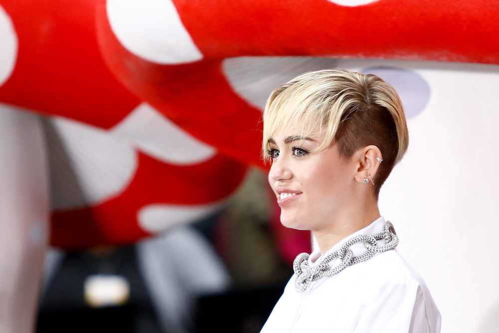 Miley Cyrus releases new single dedicated to Liam Hemsworth