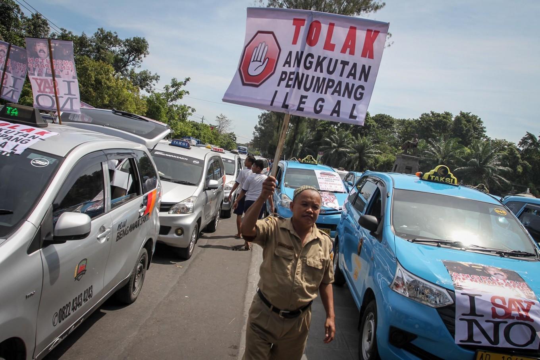 Police to investigate intimidation against app-based transportation operators in Batam
