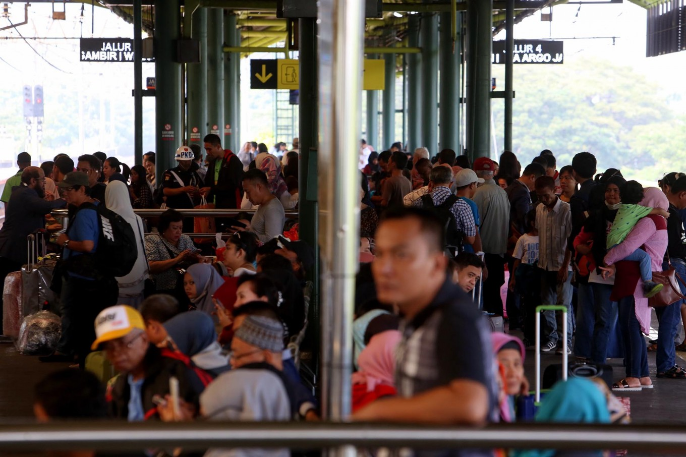 16 trips from Gambir Station to stop in Jatinegara on NYE