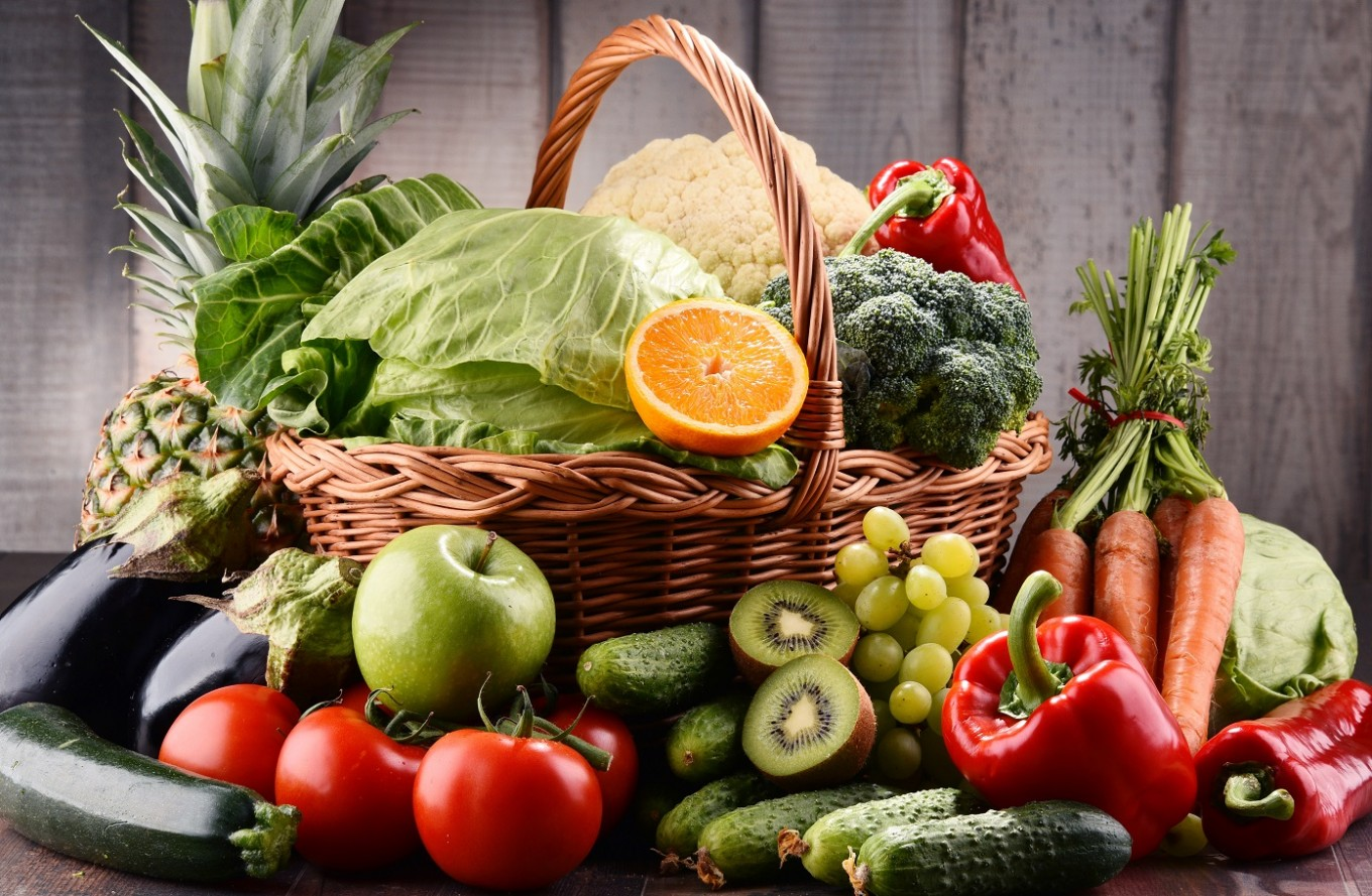 Fruit and vegetables key to attractive skin: Study ...
