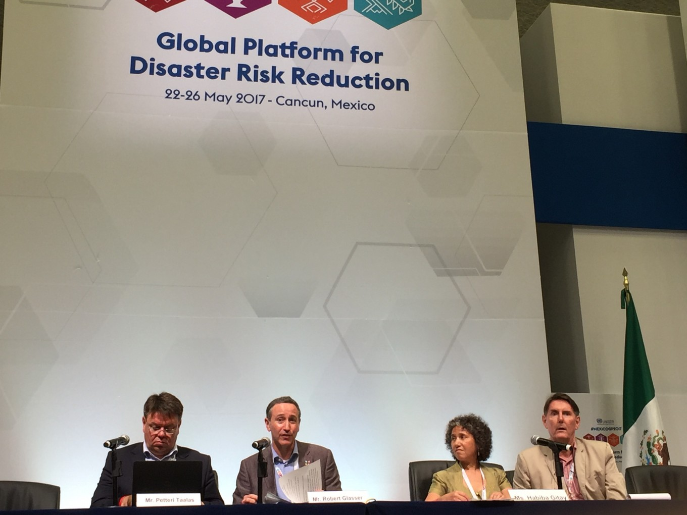 Global leaders, civil society address disaster risks in Mexico