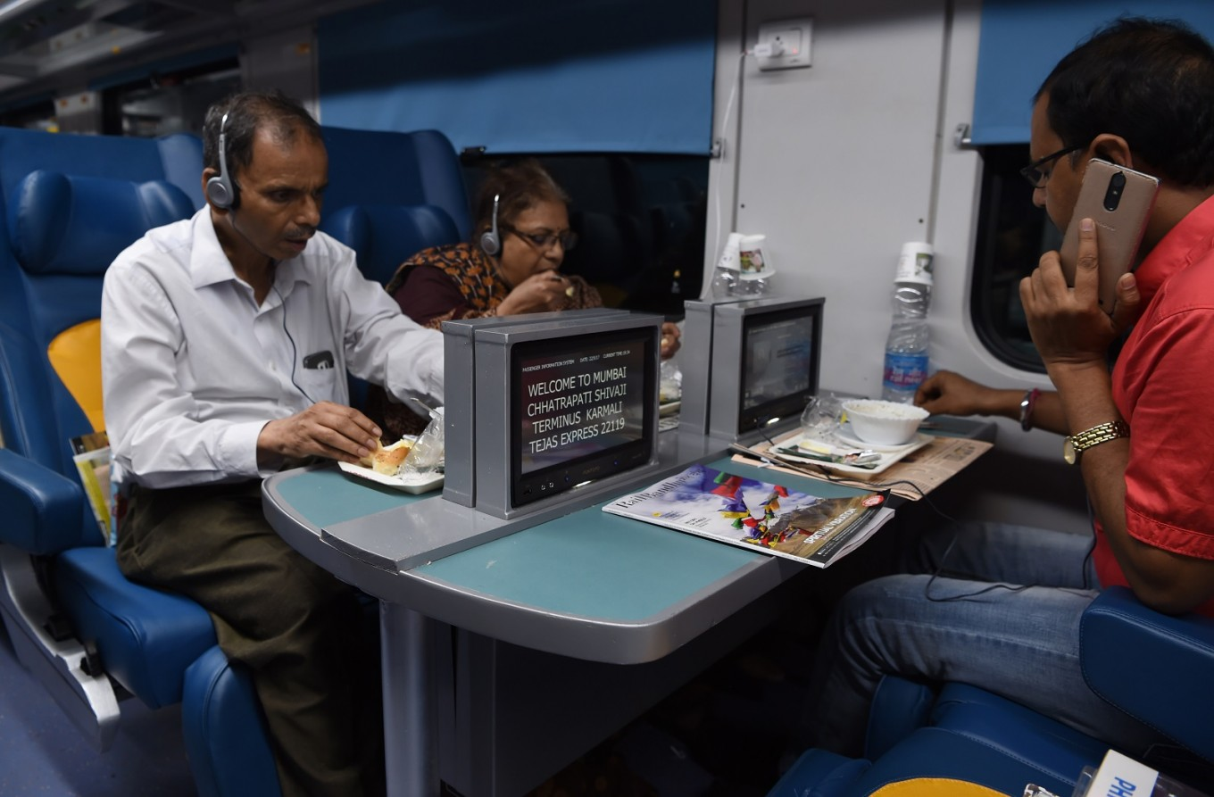 All aboard India's new luxury affordable train - Activities