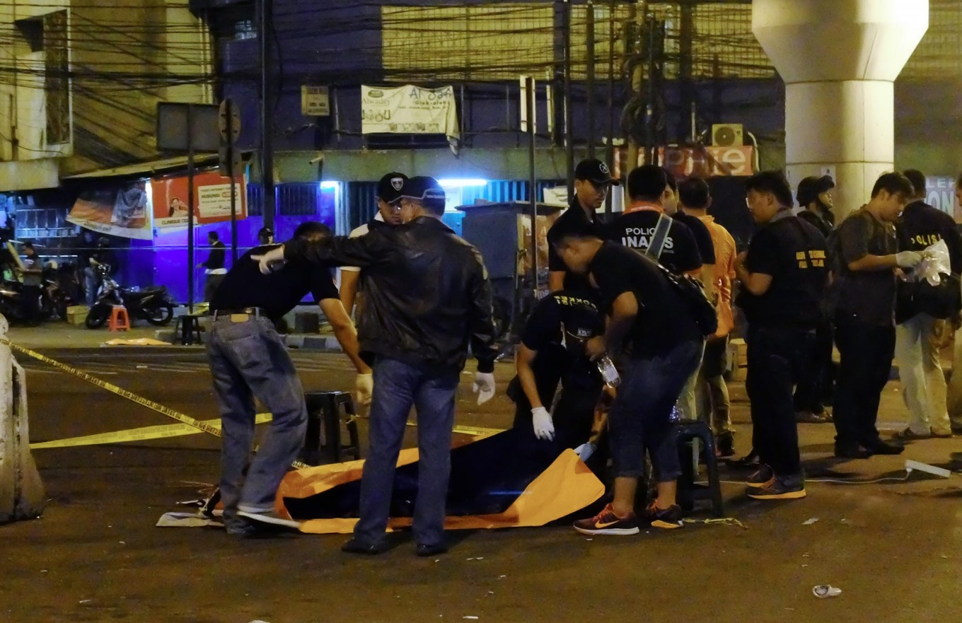 Two victims of East Jakarta suicide bomb attack undergo surgery