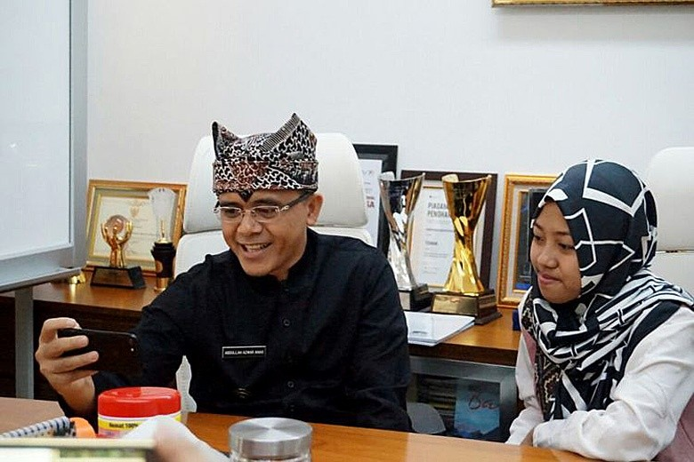 Banyuwangi teenager garners attention with writings on tolerance