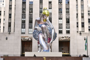 Angry Ukrainians say they've seen Koons's 'Ballerina' before