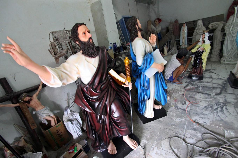 A man finishes a sculpture of Mary van Java at Pajeksan, Yogyakarta, on April 11. JP/Aditya Sagita