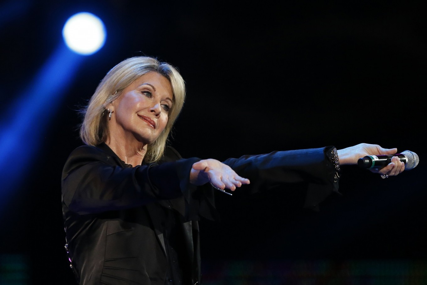 Olivia Newton-John diagnosed with cancer for third time