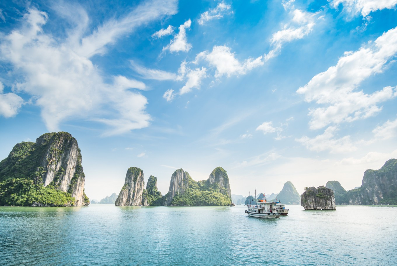 A guide to Ha Long Bay: Nine must-visit places