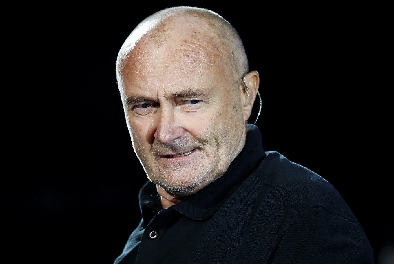 Phil Collins in hospital, post...