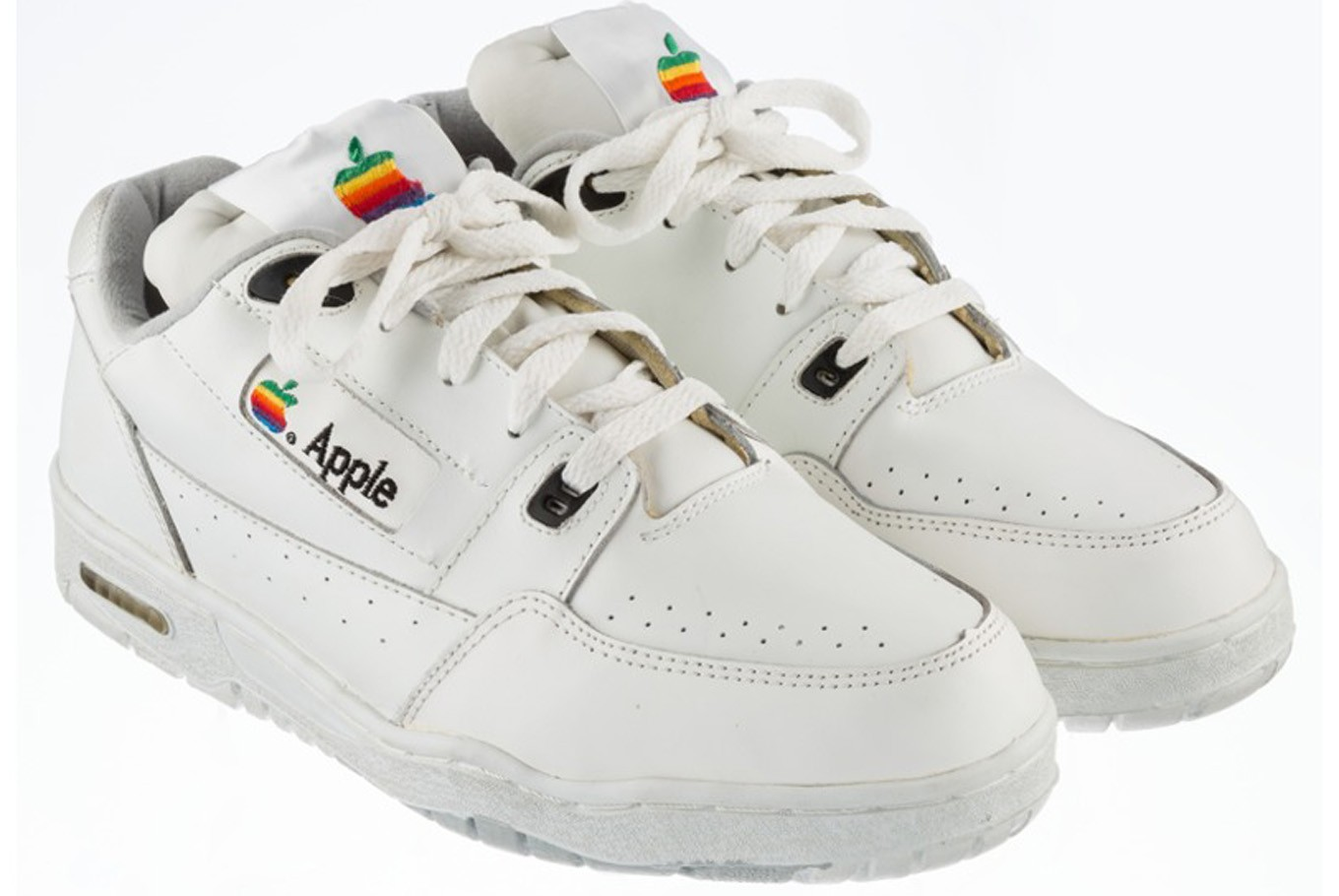 Auction Apple Sell Us Lifestyle Vintage Jakarta The To Post Sneakers O7vwxg