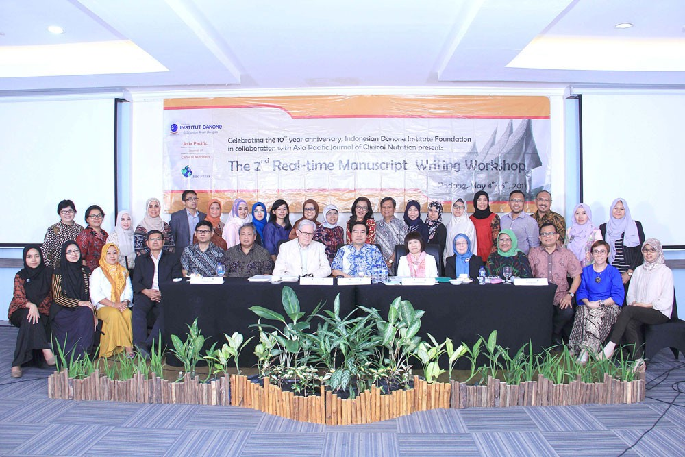 Creating Scientific Writing Environment for Indonesian Nutrition Scientists