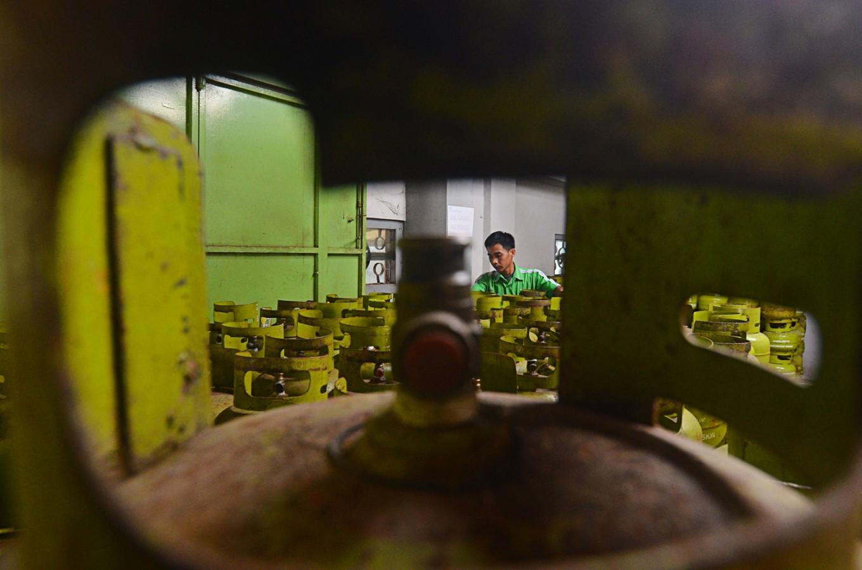3-kg LPG canister price skyrockets in Surakarta