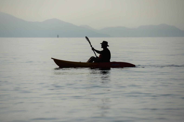 Rustono is paddling his canoe at the Biwako Lake. JP/Tarko Sudiarno