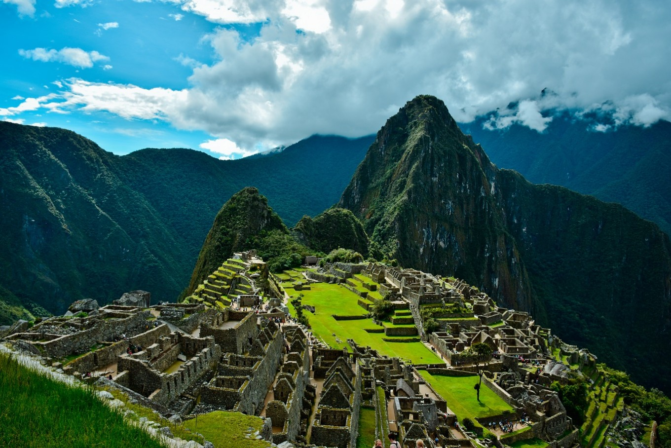 Tourists accused of damaging, defecating on Machu Picchu