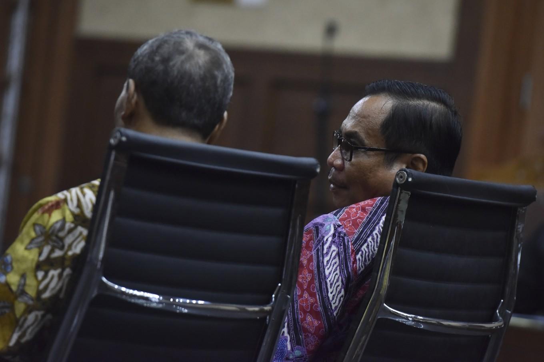 KPK to challenge court ruling revoking justice collaborator status of Irman, Sugiharto