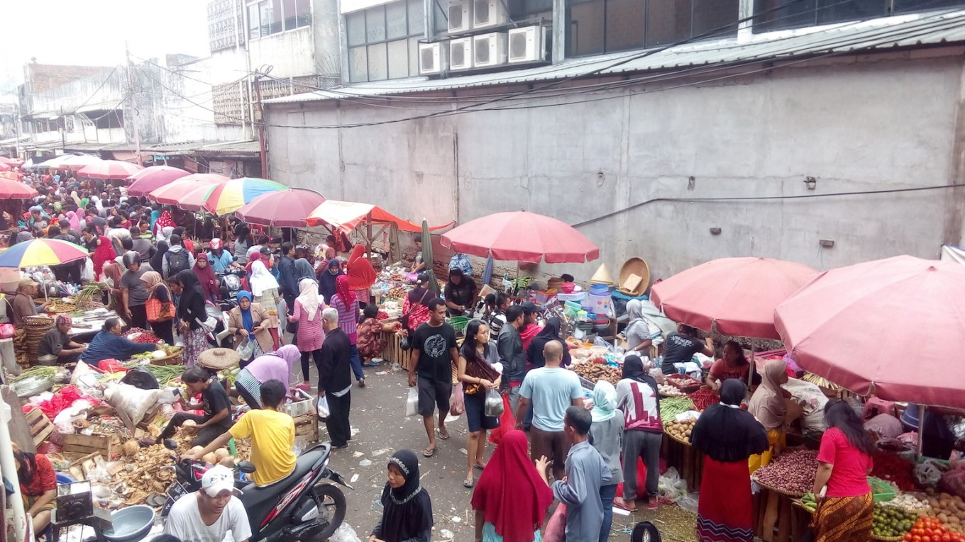Food prices spike in Jakarta a day before Idul Fitri