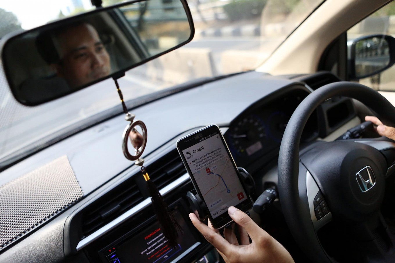 Ministry told to equip ride-hailing vehicles with monitoring devices