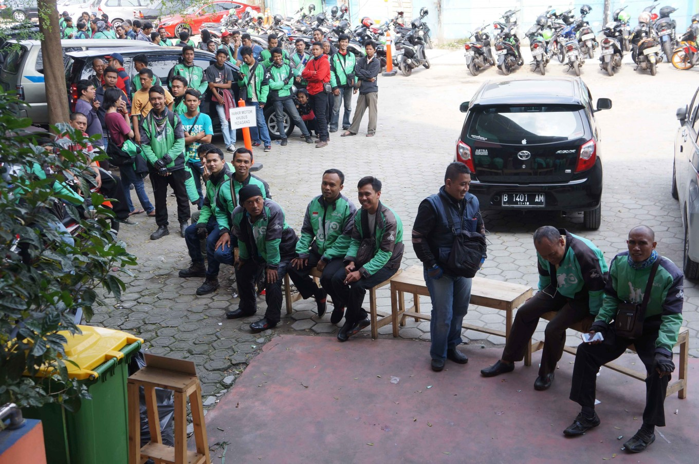 Local coffee shop more popular after Jokowi's visit