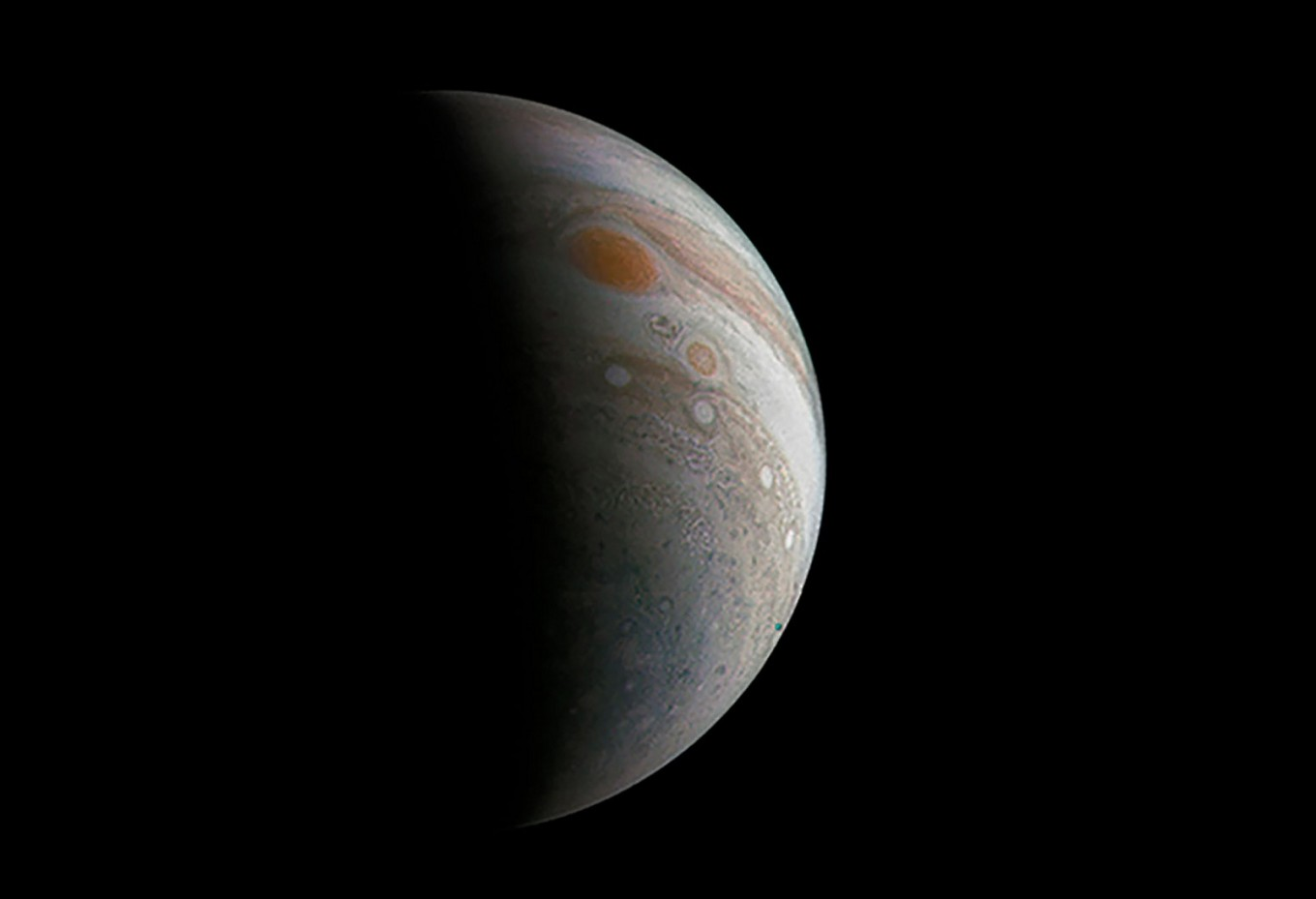 NASA spacecraft to fly over Jupiter's Great Red Spot
