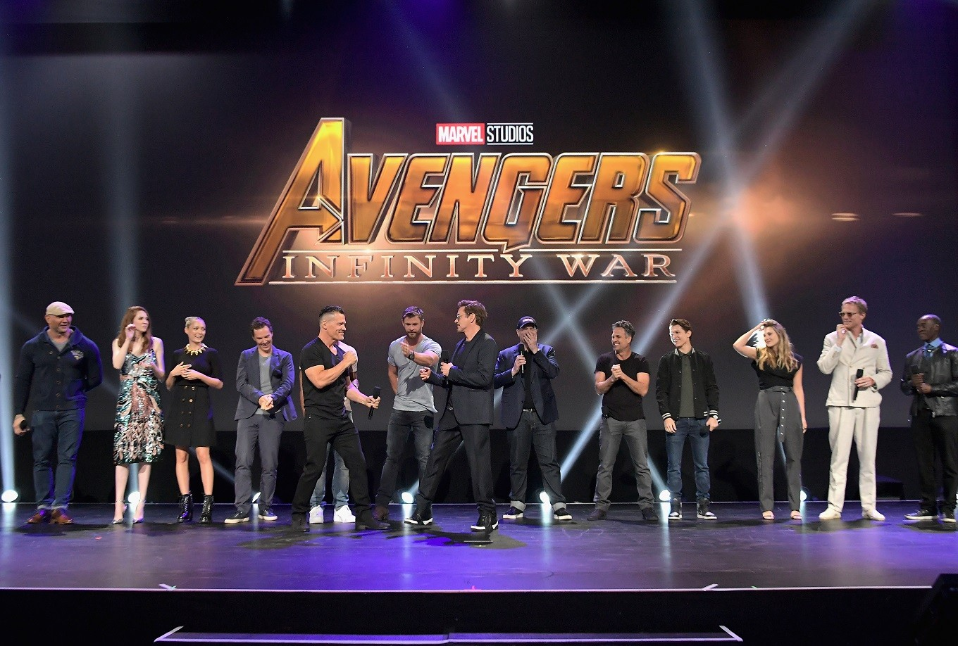 Marvel stuns fans with giant Avengers gathering