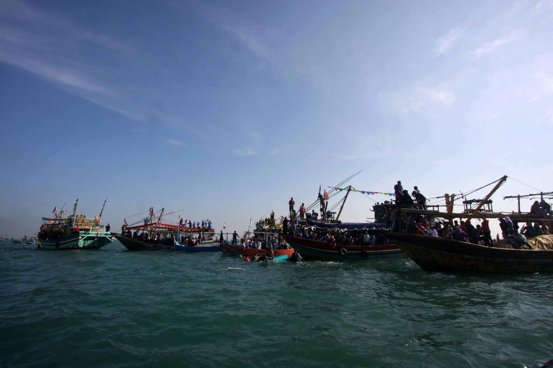 Fully loaded boats join the Lomban Festival on Jepara Bay on July 2. JP/Maksum Nur Fauzan