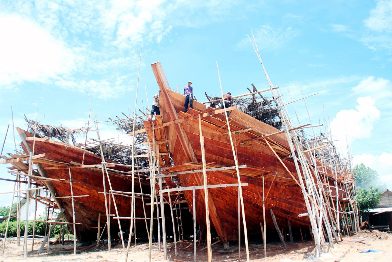 Long project: It requires four to six months to finish a ship of around 20 meters in length and 10 meters in width.