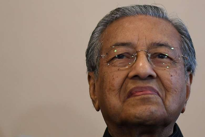 Malaysia's Mahathir expects to be sworn in at 5 p.m.