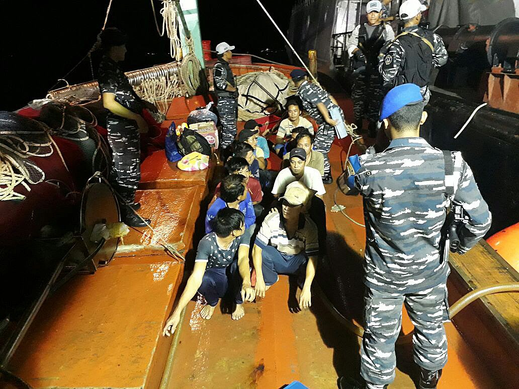 Navy captures foreign vessels in Malacca Strait, alleges illegal fishing