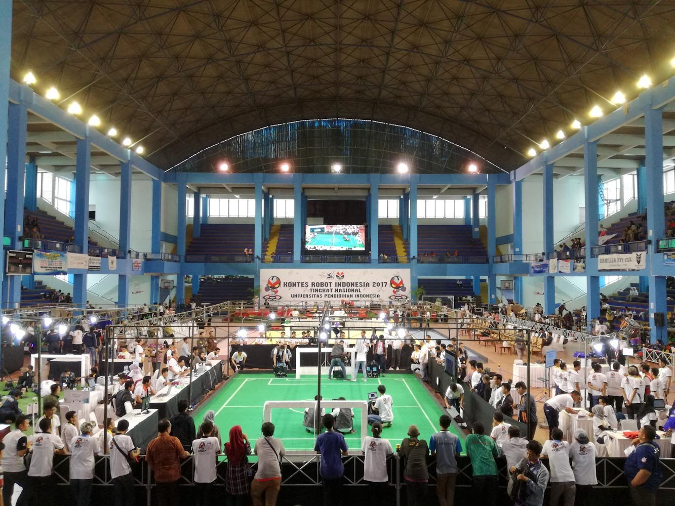 Teams compete at the 2017 National Robot Contest at the gymnasium of the Indonesia University of Education (UPI) in Bandung. Ninety-three teams from 48 universities competed. JP/Arya Dipa