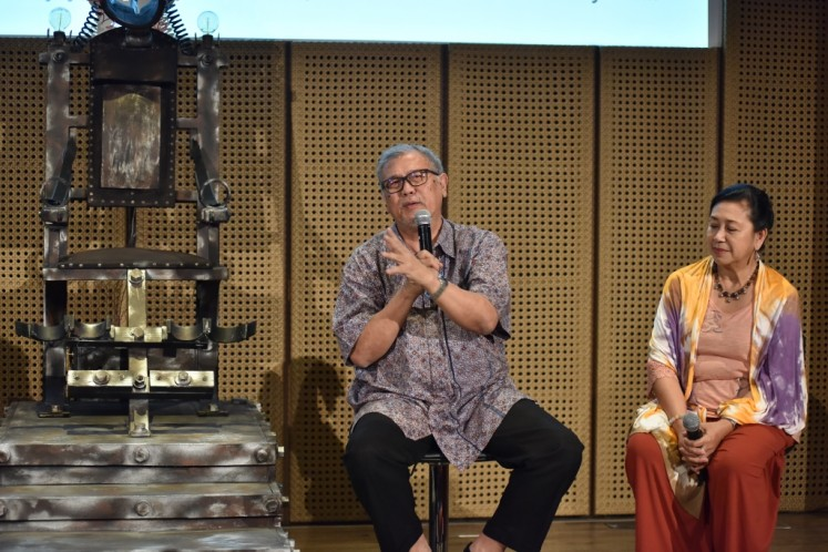 Teater Koma writer and director N. Riantiarno (left) with production head Ratna Riantiarno during a press conference at Auditorium Galeri Indonesia Kaya in Central Jakarta on July 26, 2017.