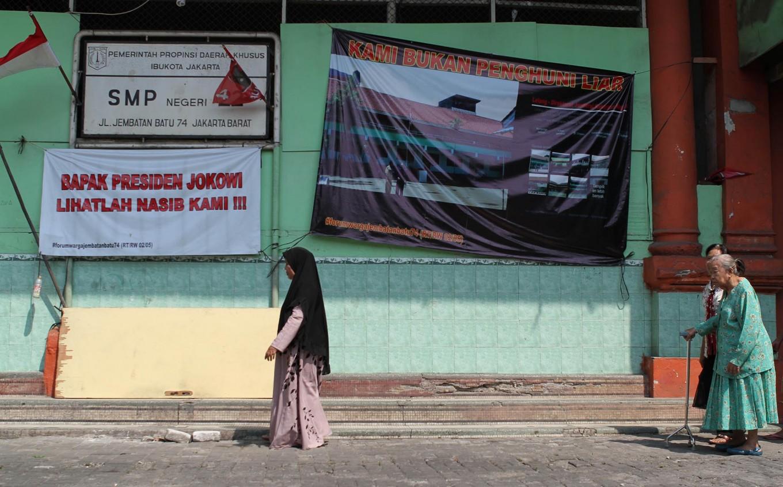Bekasi to merge 110 schools