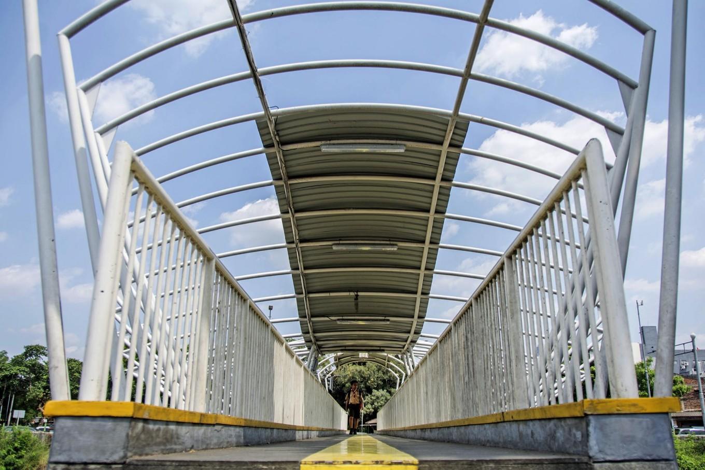 Central Jakarta footbridge walled up to prevent brawls