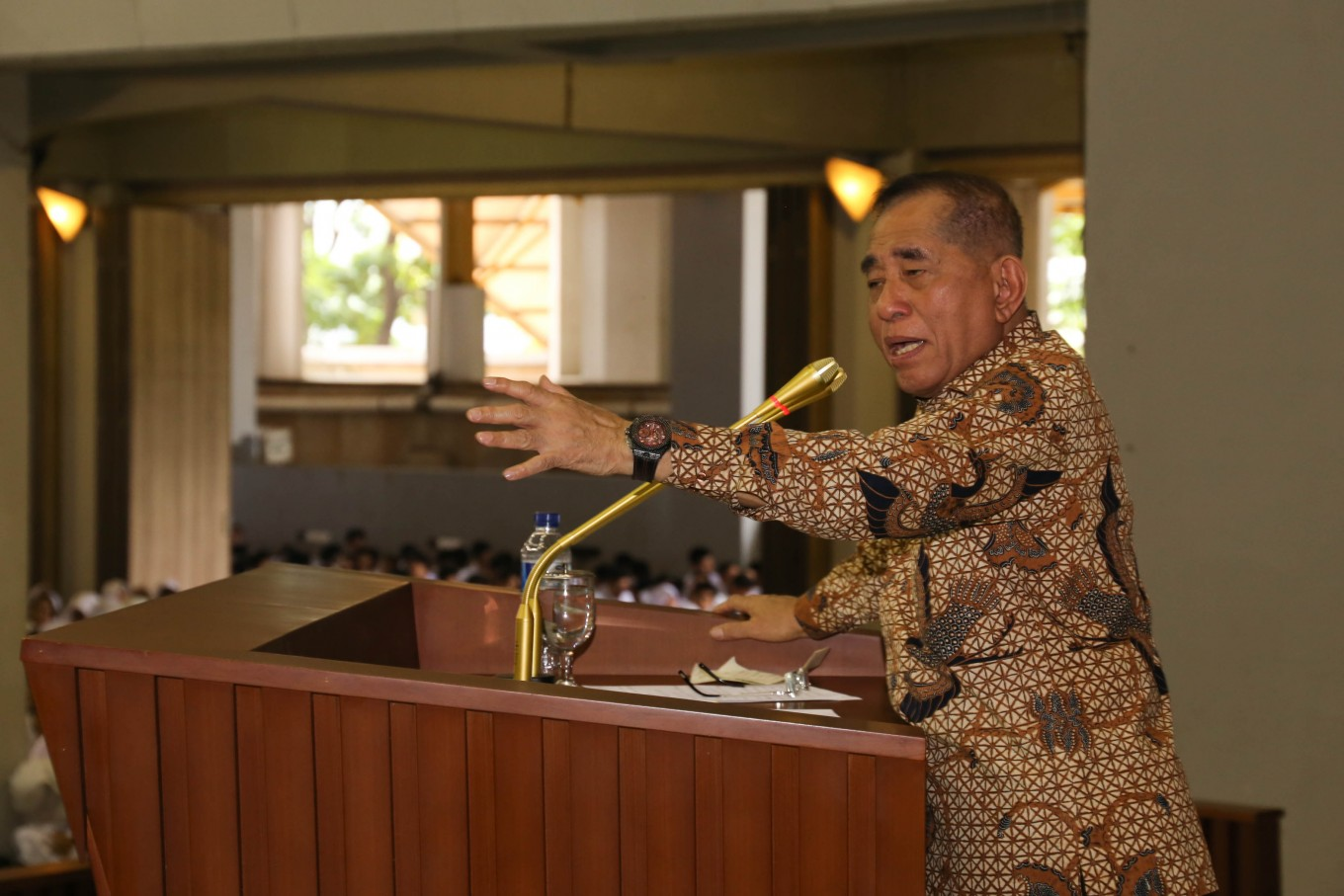 Minister warns new UI students about 'liberalism, communism, radicalism'