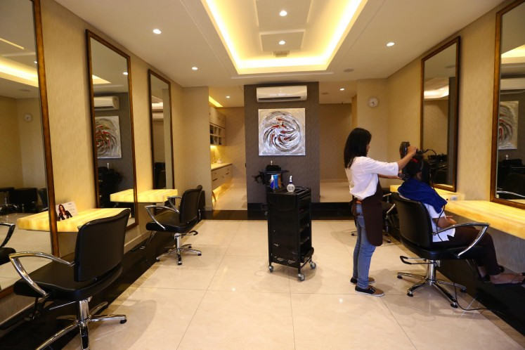 The Eva Mulia beauty center is a popular establishment specializing in skin care, providing quality facials since the 1990s.