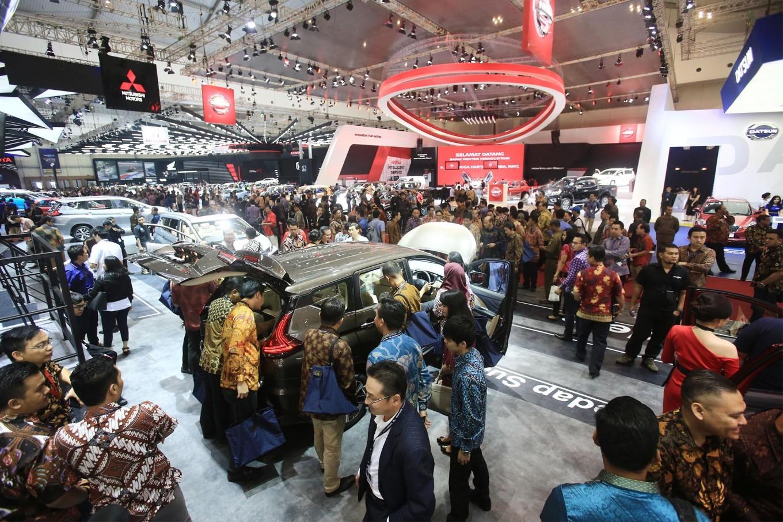 Automakers slash car sales targets as spending power weakens