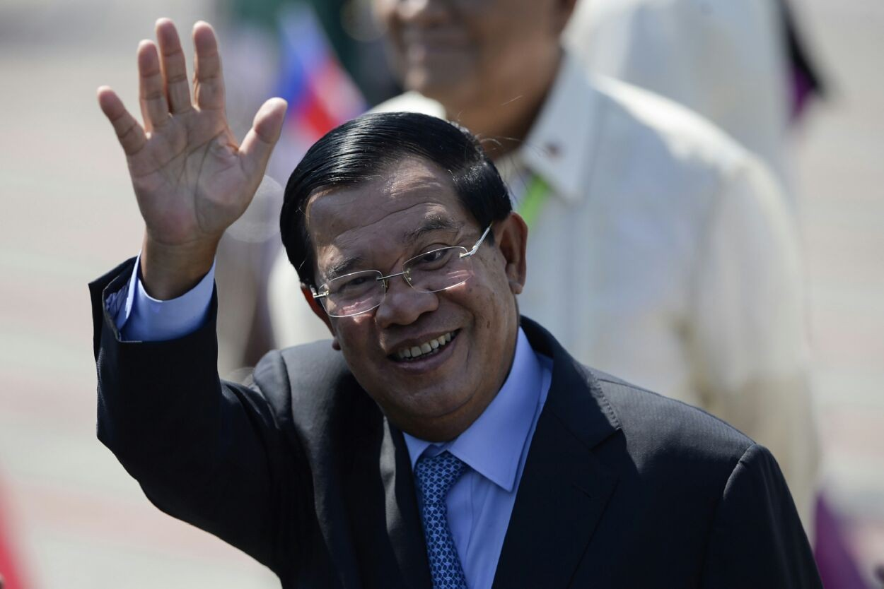 Sale of newspaper in Cambodia 'disaster' for media freedom - rights group